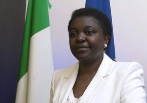 Italie: les insultes racistes contre la ministre continuent