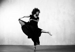 « Je suis la première danseuse noire à avoir intégré la célèbre compagnie de danse de Berlin, le Staatsballett »