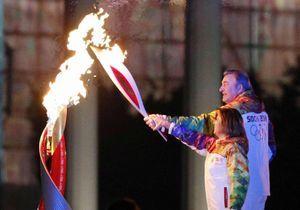 JO: la vasque olympique allumée par une athlète raciste?