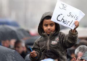 La France entière descend dans la rue contre le terrorisme