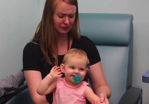 La vidéo de cette petite fille qui entend pour la première fois va vous faire craquer