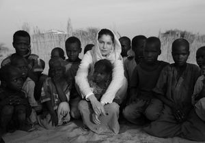Laetitia Casta : on l'a suivie en mission pour l'Unicef