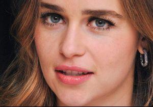 """Le coup de gueule d'Emilia Clarke de « Game of Thrones » : """"Oh mon Dieu, c'est partout !"""""""