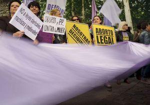 Le droit à l'avortement menacé en Europe