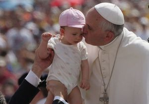 Le pape dénonce publiquement les abus contre les enfants