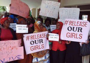Les familles des lycéennes enlevées par Boko Haram gardent espoir