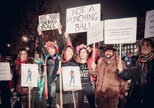 Les féministes en terrasse contre les violences faites aux femmes