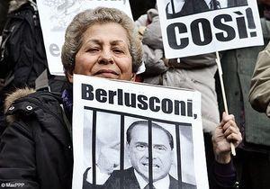 Les Italiennes crient leur ras-le-bol à Berlusconi