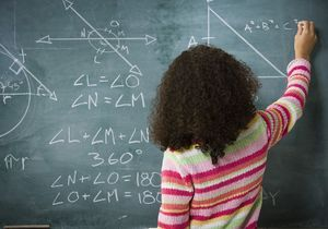 Les lycéennes peinent à intégrer les filières scientifiques