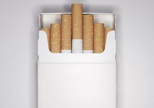 Les paquets de cigarettes neutres en vente l'année prochaine