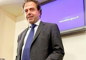 Manuels scolaires : Luc Chatel désamorce la polémique