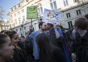 Mariage gay : la loi promulguée par François Hollande