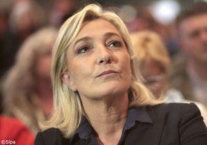 Marine Le Pen se plaint de ne pas être reçue par François Hollande