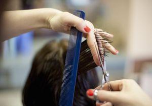 « Mom Hair » : le concept qui culpabilise les mères américaines