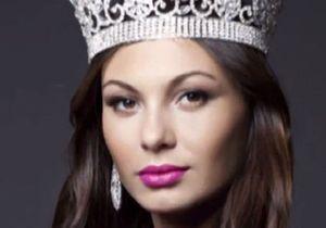 Moquée sur le Net, « Madame Russie 2012 » rend sa couronne