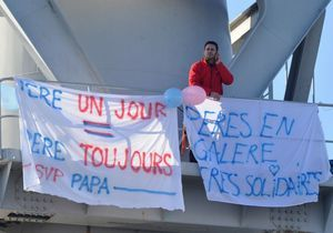 Nantes: un deuxième père retranché en haut d'une grue