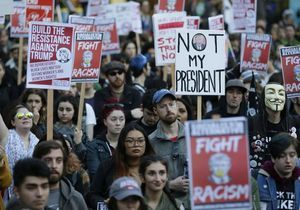 « Not my president » : les anti-Trump dans la rue