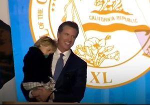 On adore cette vidéo d'un enfant qui vient perturber le discours de son père
