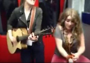 #PrêtàLiker : elles font le show dans le métro avant un événement inattendu