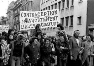 Planning familial : 50 ans de combats pour les droits des femmes