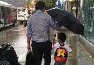 #PrêtàLiker : un père devient une star de la Toile en protégeant son enfant