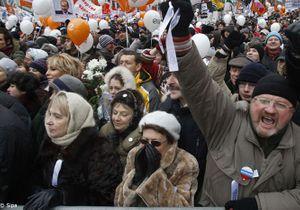 Russie : des milliers de manifestants s'opposent à Poutine