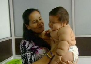 Santiago, ce bébé colombien de 8 mois qui pèse 20 kilos