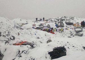 Séisme au Népal : l'angoissante attente des familles françaises
