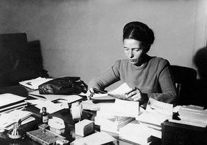 Simone de Beauvoir : pionnière du féminisme moderne