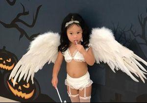 Soutien-gorge et porte-jarretelles : elle déguise sa fille de deux ans en… Ange de Victoria's Secret et choque