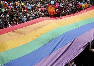 Taiwan : une cérémonie pour célébrer 60 mariages lesbiens