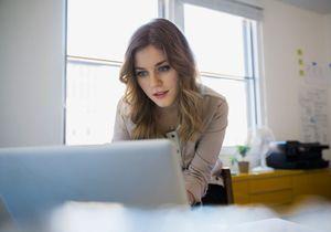 Tinder, LinkedIn et le retour de la femme-objet