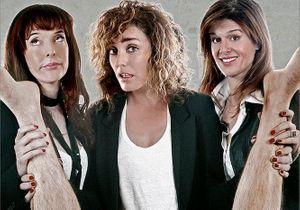 Trois actrices parodient l'affiche des « Infidèles »