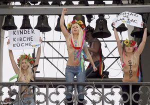 Ukraine : les féministes militent seins nus pour l'IVG