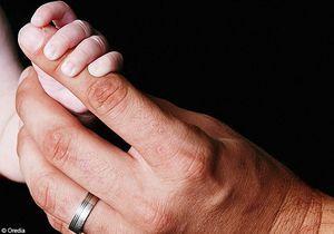 Un bébé né sous X confié à ses grands-parents biologiques
