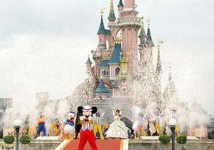 Un enfant paralysé à cause d'une attraction de Disneyland ?