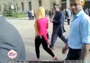 Une étudiante égyptienne agressée à cause de sa tenue