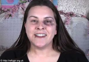 Une vidéo pour maquiller les bleus des femmes battues
