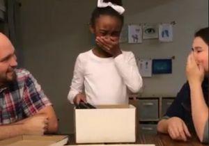 Vous allez adorer la réaction de cette petite fille quand elle découvre son cadeau d'anniversaire