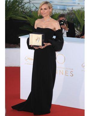 Le look du jour de Cannes : la grâce sensuelle de Diane Kruger