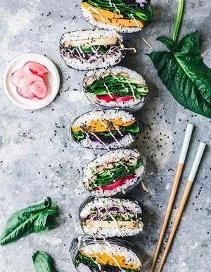 Connaissez-vous l'onigirazu, le sandwich maki qui fait fureur sur les réseaux ?