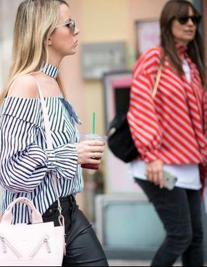 Street Style : les rayures envahissent la rue