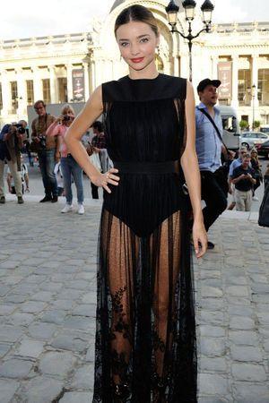 Fashion Week de Paris : qui sont les stars invitées aux premiers rangs ?
