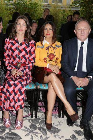Salma Hayek, Charlotte Casiraghi, Dakota Johnson… Toutes à la Fashion Week de Milan !