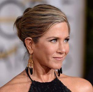 L'histoire inavouable du chignon de Jennifer Aniston aux Golden Globes