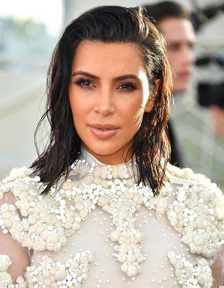 On connaît les produits fétiches de Kim Kardashian