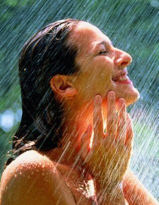 Voici l'astuce sous la douche pour faire pousser les cheveux plus vite