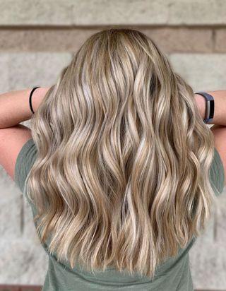 Tweed hair : cette nouvelle technique de coloration fait fureur cet automne