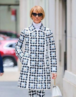 Céline Dion change radicalement de coupe de cheveux pour l'automne
