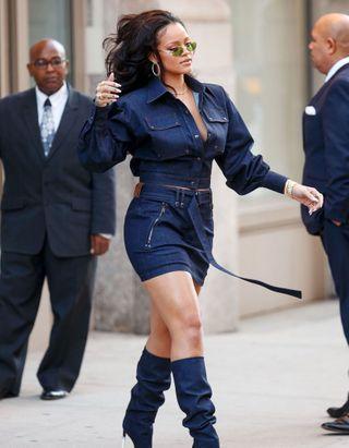 Cette coupe de cheveux que portait Rihanna dans les années 2010 est devenue virale aujourd'hui